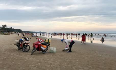 Du lịch Vũng Tàu - Chạy xe máy trên biển Bãi Sau