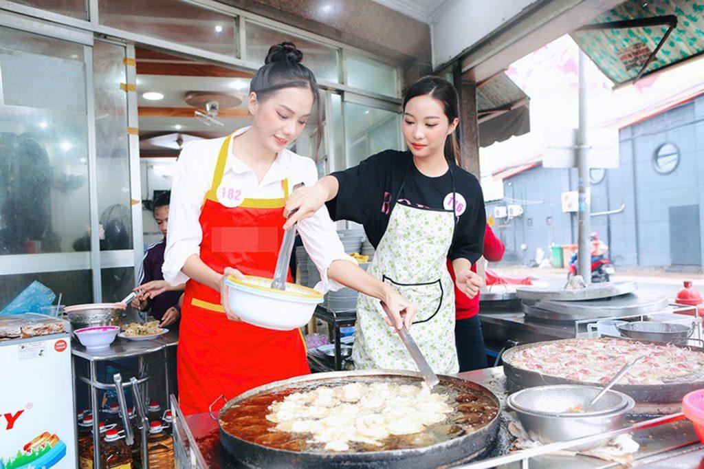 Hoa hậu VN 2020 bánh khọt Vũng Tàu