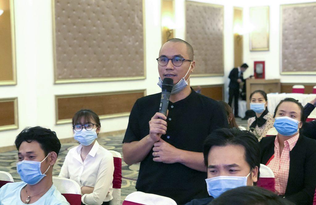 đặt câu hỏi  tại buổi họp báo món ngon phố biển Vũng Tàu 2020