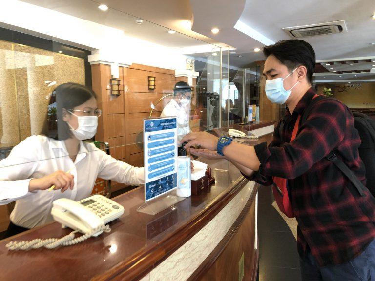 rửa tay sát khuẩn