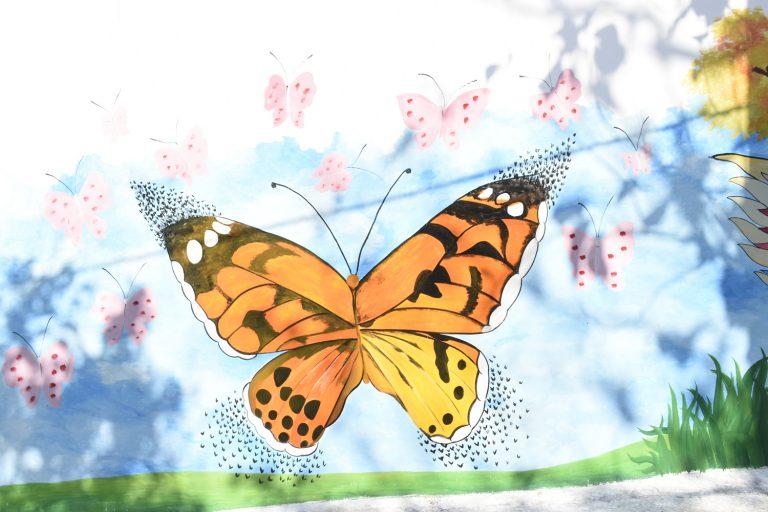 Một bức vẽ hình con bướm - Đường tranh bích họa